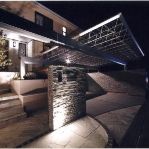 三協立山アルミ2009 エクステリアデザインコンテスト 三協立山アルミ2009エクステリアデザインコンテスト プランニング部門にて地区優秀賞、三協立山アルミ2010エクステリアデザインコンテスト リフォーム部門にてデザイン大賞グランプリを受賞しました。